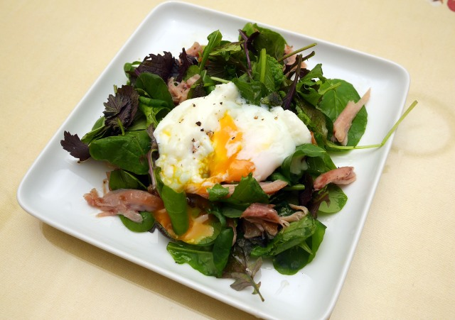 溫泉蛋燻雞沙拉